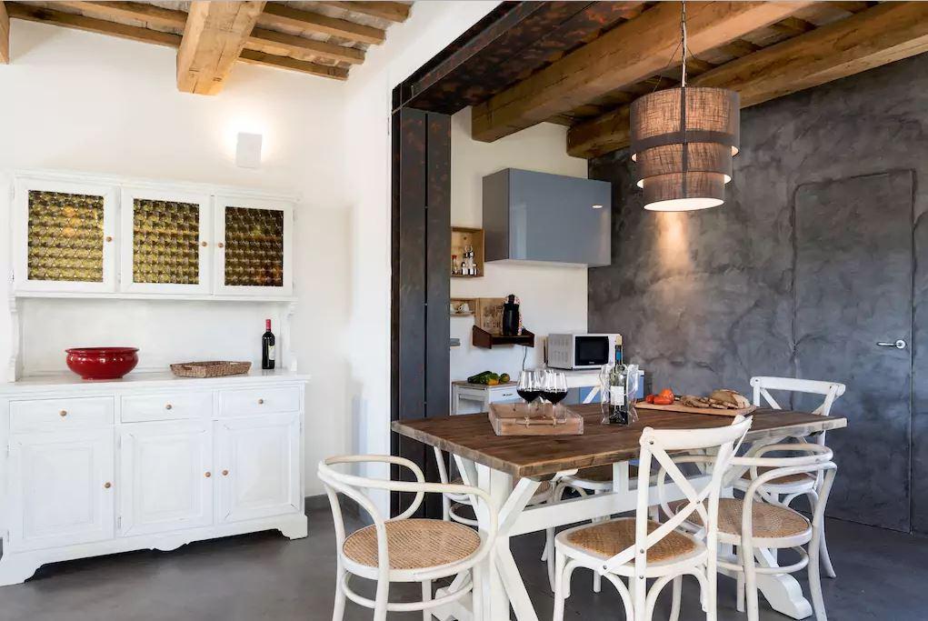 dining room / sala da pranzo