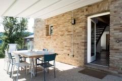 Entrance / Ingresso dalla veranda