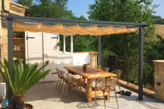 02_cherry_houses_appartement_monterosa_terrace_table